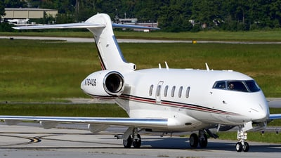 N764QS - Bombardier BD-100-1A10 Challenger 350 - NetJets Aviation