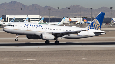 A picture of N407UA - Airbus A320232 - United Airlines - © David Lee