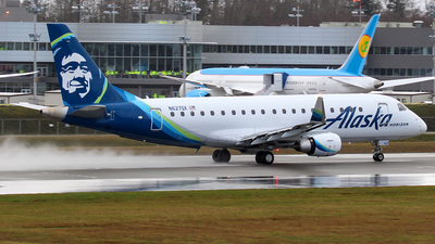 A picture of N627QX - Embraer E175LR - Alaska Airlines - © Huy Do