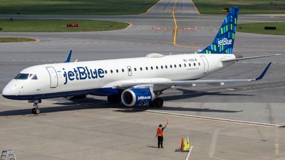 A picture of N351JB - Embraer E190AR - JetBlue Airways - © Will Fibich