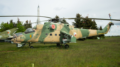 0142 - Mil Mi-24D Hind D - Czechoslovakia - Air Force