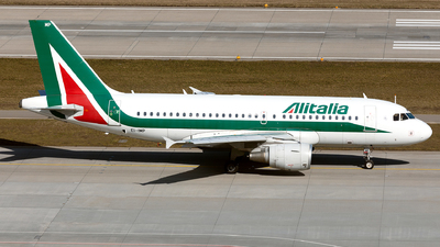 A picture of EIIMP - Airbus A319111 - Alitalia - © John Richard