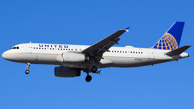 N1902U - Airbus A320-232 - United Airlines