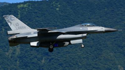 6668 - General Dynamics F-16A Fighting Falcon - Taiwan - Air Force
