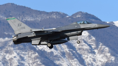 89-2016 - General Dynamics F-16CG Fighting Falcon - United States - US Air Force (USAF)