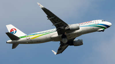 A picture of B9943 - Airbus A320214 - China Eastern Airlines - © william8252