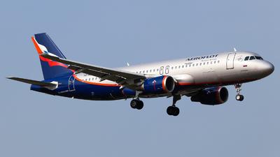 A picture of VQBSJ - Airbus A320214 - Aeroflot - © Vitaly Revyakin