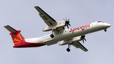 A picture of VTSUK - De Havilland Canada Dash 8400 - SpiceJet - © Aneesh Bapaye