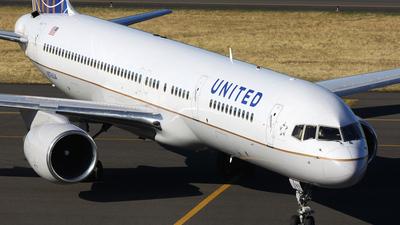 N576UA - Boeing 757-222 - United Airlines