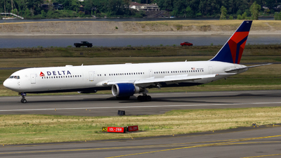 A picture of N836MH - Boeing 767432(ER) - Delta Air Lines - © Conor Clancy