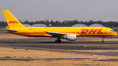 A picture of HP1910DAE - Boeing 75727A(PCF) - DHL - © Miguel Fiesco (MAS Aviation Press)