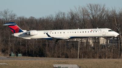 A picture of N929XJ - Mitsubishi CRJ900LR - Delta Air Lines - © Erik Goodfellow