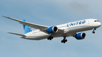 N12012 - Boeing 787-10 Dreamliner - United Airlines
