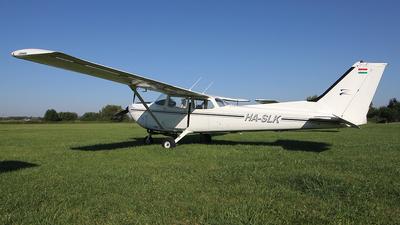 HA-SLK - Cessna 172K Skyhawk - Private