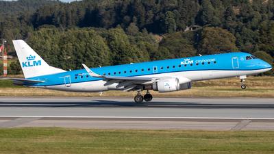 A picture of PHEZK - Embraer E190STD - KLM - © R.Rimestad