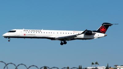 C-FLJZ - Bombardier CRJ-705LR - Air Canada Express (Jazz Aviation)
