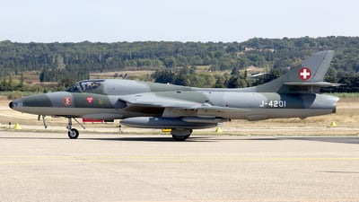 HB-RVR - Hawker Hunter T.68 - Private