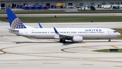 N37437 - Boeing 737-924ER - United Airlines