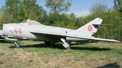 444 - Mikoyan-Gurevich Mig-17F Fresco - Romania - Air Force