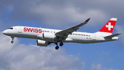 A picture of HBJCD - Airbus A220300 - Swiss - © Simon330lover