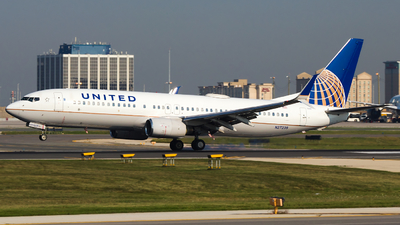 A picture of N27239 - Boeing 737824 - United Airlines - © Alex I.