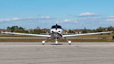 N5886M - Cirrus SR20 - Private