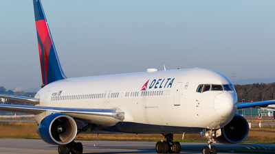 A picture of N171DN - Boeing 767332(ER) - Delta Air Lines - © Matteo Lamberts
