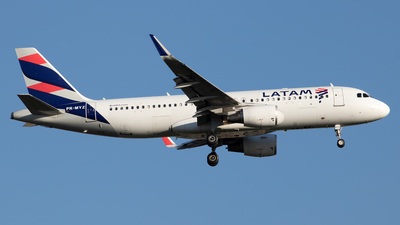 A picture of PRMYZ - Airbus A320214 - LATAM Airlines - © Antonio Carlos Carvalho Jr.