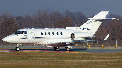 I-MFAB - Hawker Beechcraft 900XP - Ital Fly