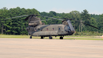 88-00067 - Boeing CH-47D Chinook - United States - US Army