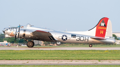 N5017N - Boeing B-17G Flying Fortress - Experimental Aircraft Association (EAA)