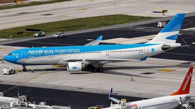 LV-FNL - Airbus A330-223 - Aerolíneas Argentinas