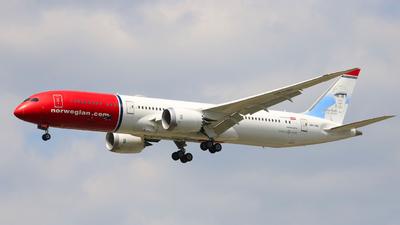 A picture of LNLNU - Boeing 7879 Dreamliner - [63313] - © Arthur CHI YEN