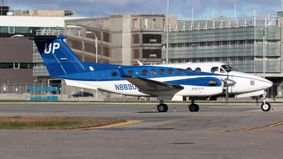 A picture of N889UP - Beech B300 Super King Air 350 - Gama Aviation - © Guy Langlois