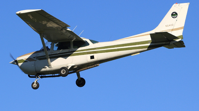 A picture of N5140D - Cessna 172N Skyhawk - [17272433] - © Guy Langlois