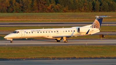 N16183 - Embraer ERJ-145XR - United Express (Commutair)