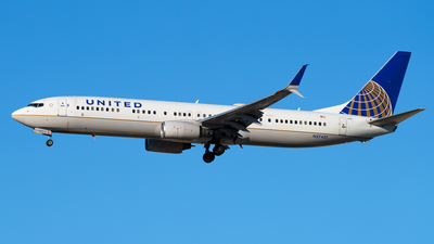 N27421 - Boeing 737-924ER - United Airlines