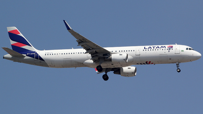 PT-XPH - Airbus A321-211 - LATAM Airlines