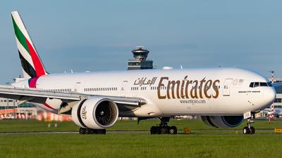 A6-ECX - Boeing 777-31HER - Emirates