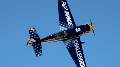 D-EARZ - Extra 330LC - Red Bull Racing Team