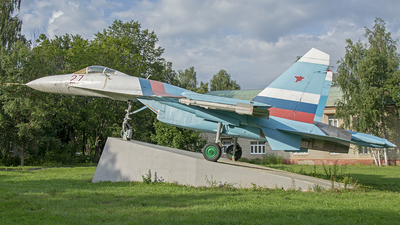 27 - Sukhoi Su-27 Flanker - Russia - Air Force