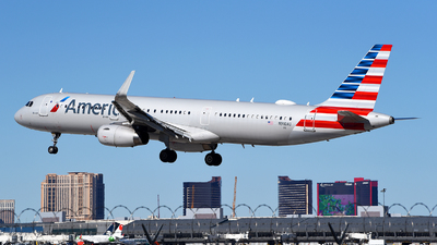 A picture of N910AU - Airbus A321231 - American Airlines - © Rocky Wang