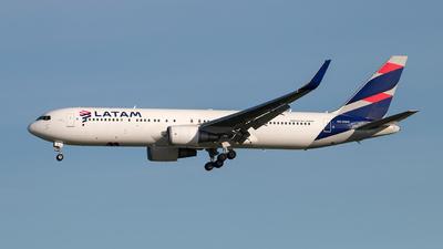 CC-CWV - Boeing 767-316(ER) - LATAM Airlines