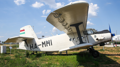 HA-MHI - Antonov An-2 - Private