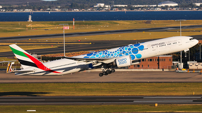 A6-EPD - Boeing 777-31HER - Emirates