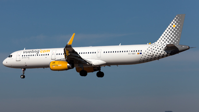 EC-MRF - Airbus A321-231 - Vueling Airlines