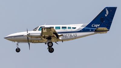 A picture of N678JG - Cessna 402C - Cape Air - © Martin Pinnau