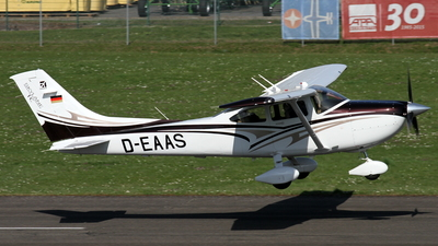 D-EAAS - Cessna T182T Skylane TC - Private