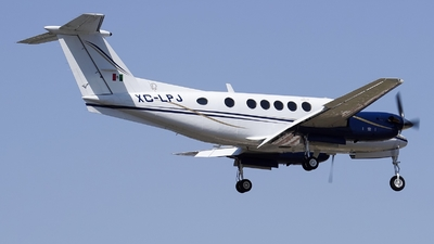 XC-LPJ - Beechcraft 200 Super King Air - Private
