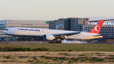 TC-LJB - Boeing 777-3F2ER - Turkish Airlines